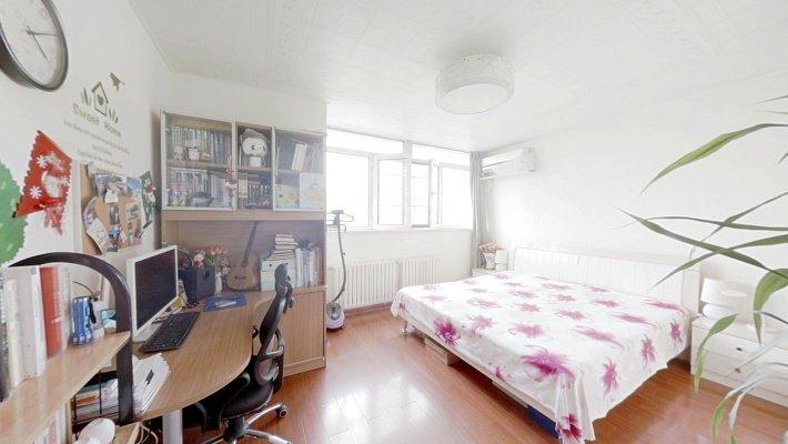 洋房两居室附带25平米露台诚意出售过五年没有二套